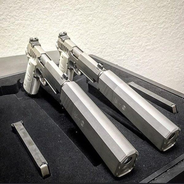 оружие пистолеты и револьверы натюрморт - 04