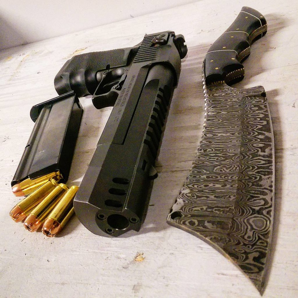 оружие пистолеты и револьверы натюрморт - 07