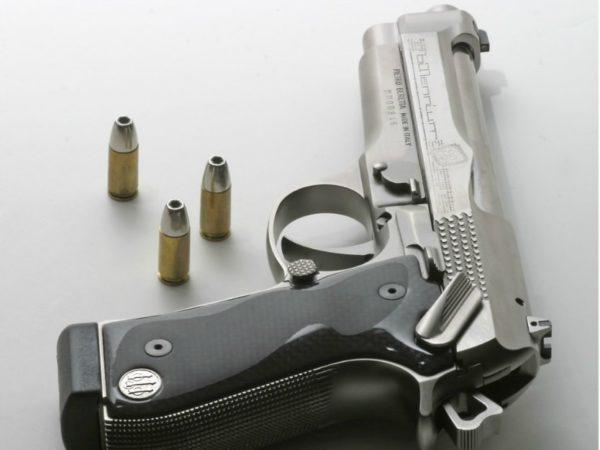 оружие пистолеты и револьверы натюрморт - 12