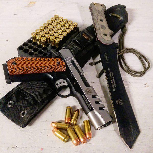 оружие пистолеты и револьверы натюрморт - 13