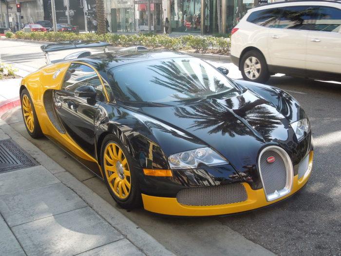 фото автомобиля Bugatti Veyron – 10