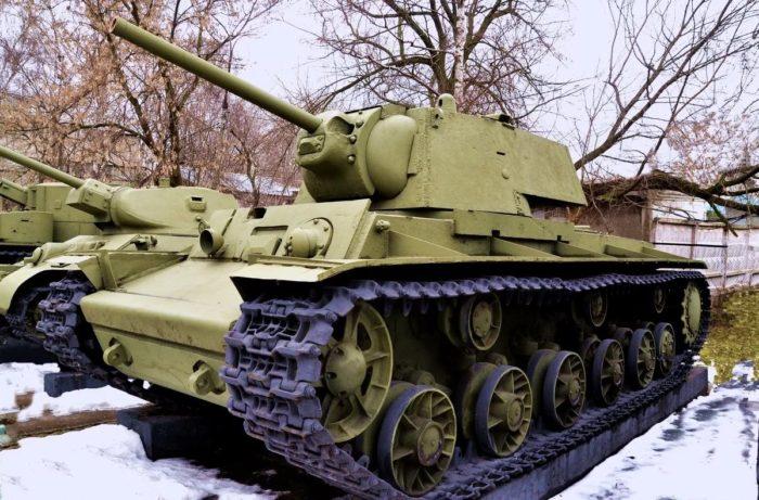 тяжелый танк КВ-1 - 04