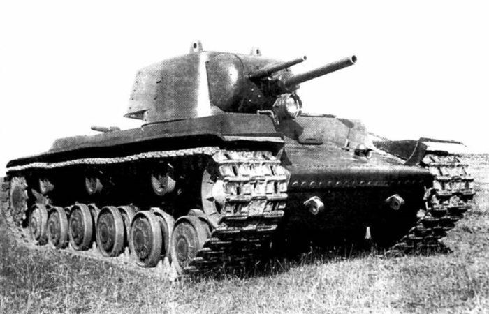 тяжелый танк КВ-1 - 05