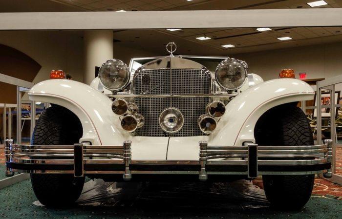 фото автомобиля Excalibur (Экскалибур) – 16