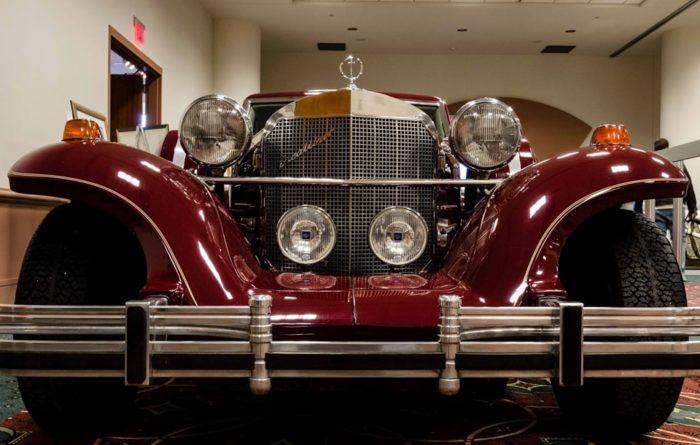 фото автомобиля Excalibur (Экскалибур) – 24