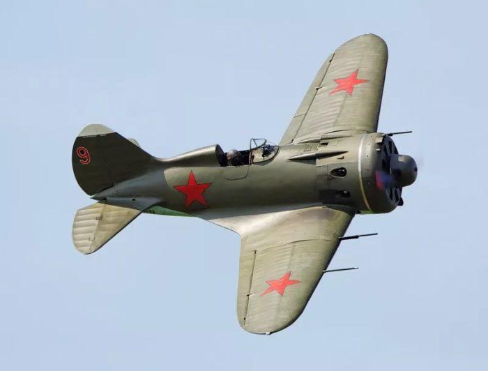 истребитель И-16 - 08