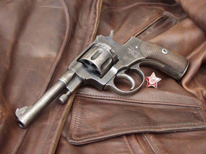 револьвер Наган - 07