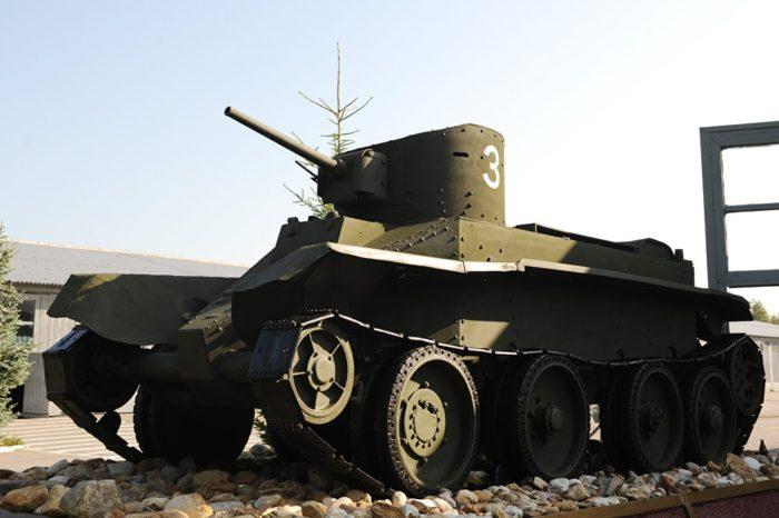танк БТ-2 - 02