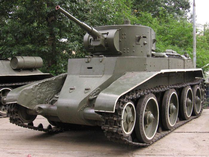 советский танк БТ-7 - 01